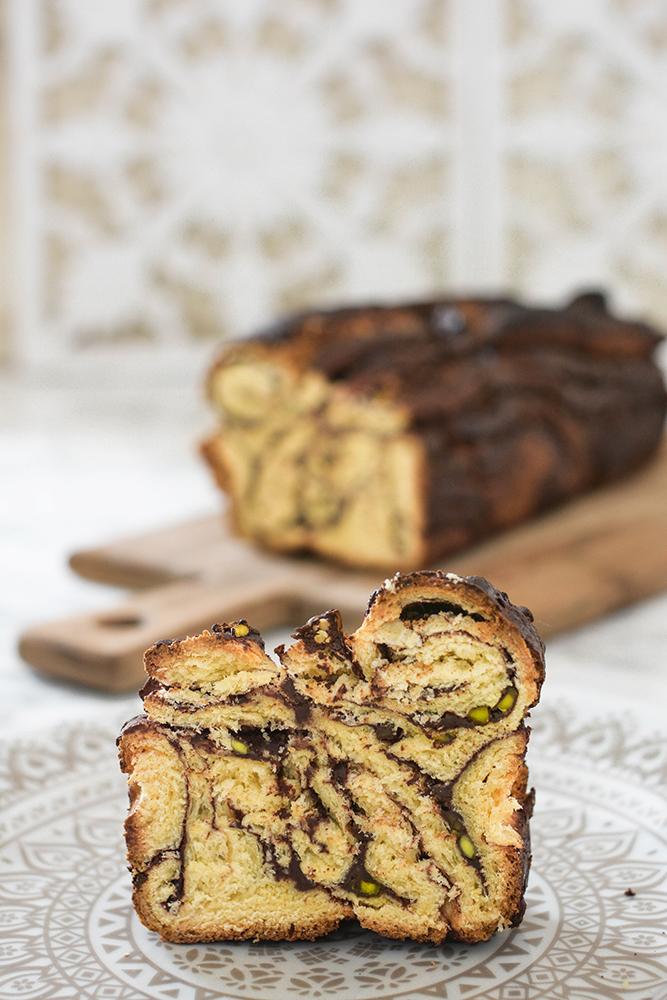 Schokoladen-Pistazien-Babka - Hefezopf, Napfkuchen