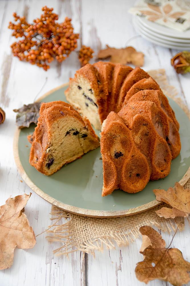 Eierlikör-Blaubeer-Kuchen mit Pekannüssen