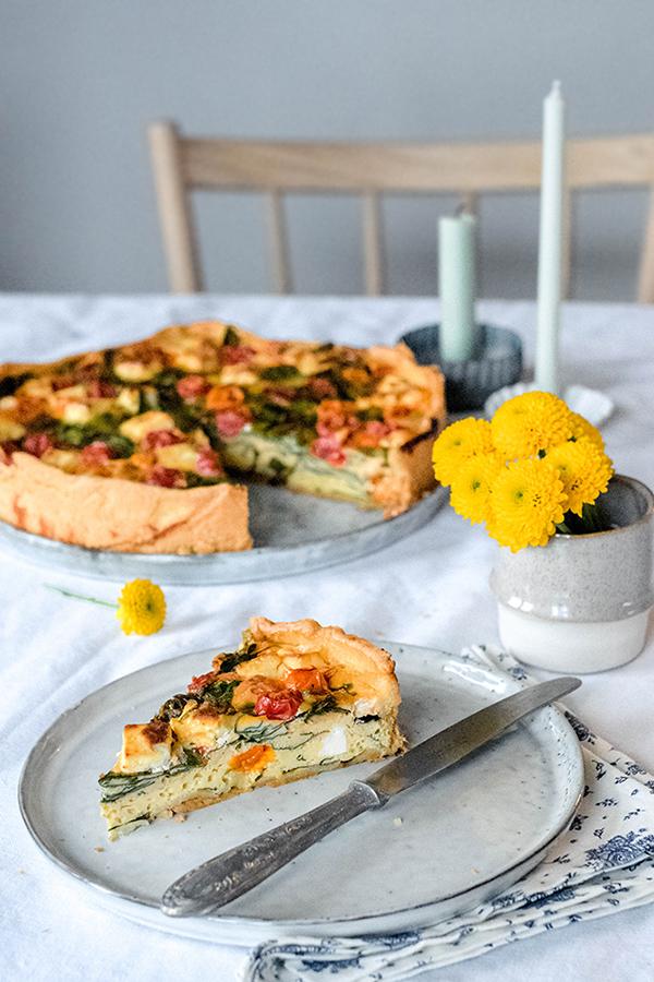 Gemüse-Quiche mit vielen Eieren