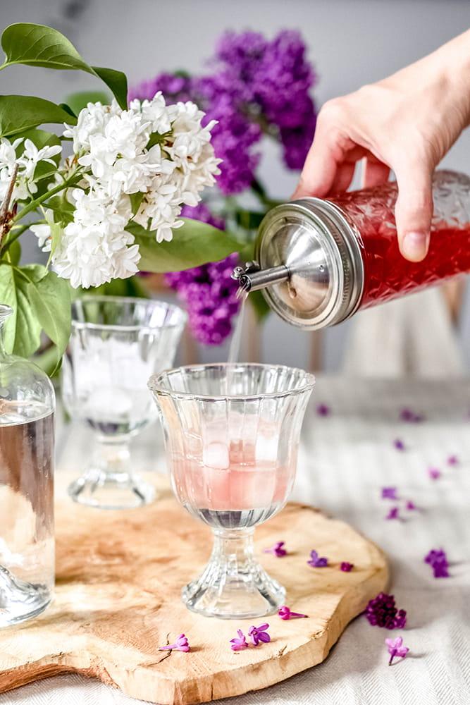 Fliedersirup für Getränke und Cocktails