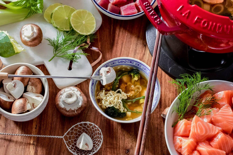 Thailändisches Fischfondue auf Tom Yam Gung - Basis