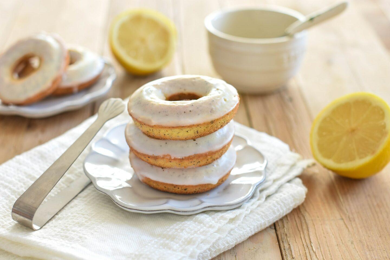 Buttermilch Zitronen Donuts mit Mohn