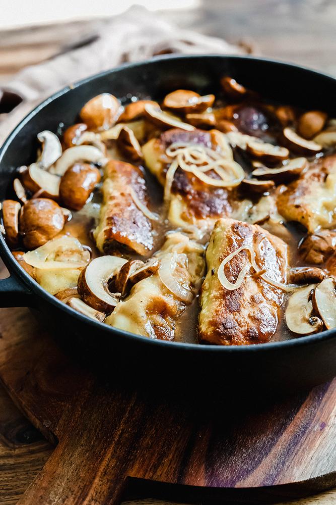 Maultaschen mit Champigions und Zwiebeln