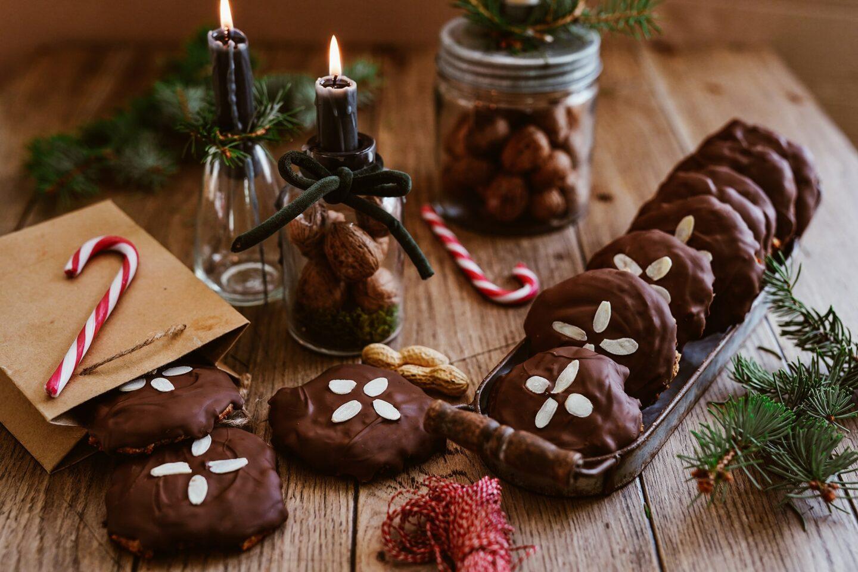 Elisenlebkuchen backen - Lebkuchenrezept