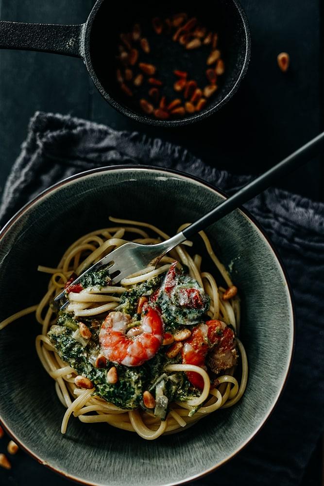 Pasta mit Spinat und Garnelen