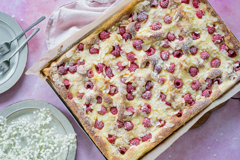 Himbeer-Blechkuchen-Pudding