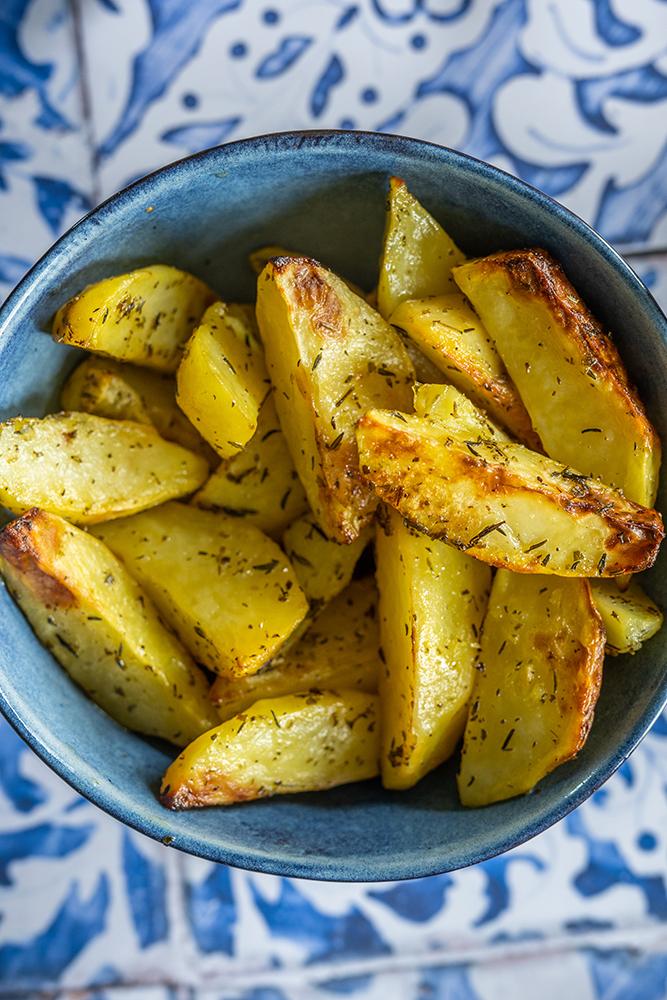 Griechische Ofenkartoffel mit Zitronen